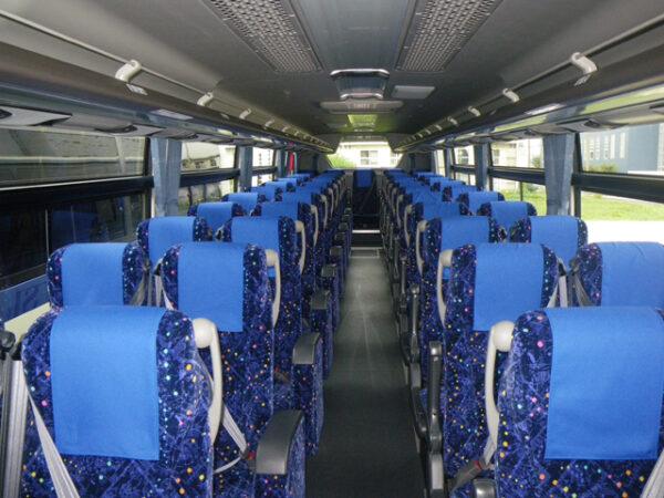 大型観光バス(車内)
