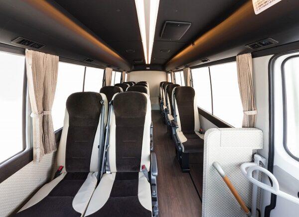 小型観光バス(Rosa)車内